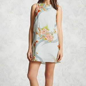 Dresses - NWT printed shift dress floral